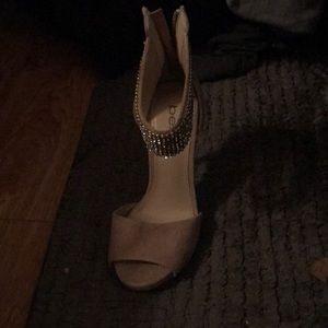 Bebe Woman's heels size 5